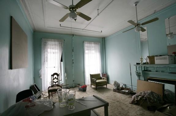 Green room before renovation