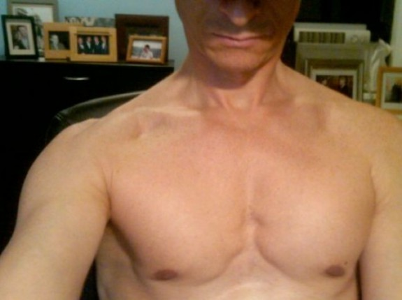 anthony weiner chest