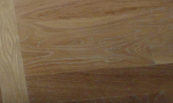 white grain in flat cut oak