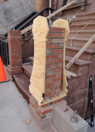 Newel post with template for reconstruction